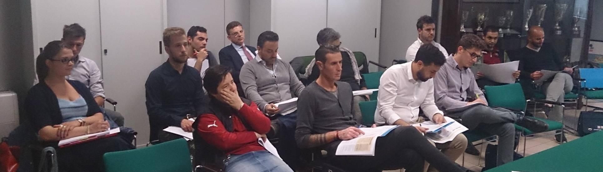 A Lezione Di Assicurazioni Nel Corso Per Collaboratori Di Bologna