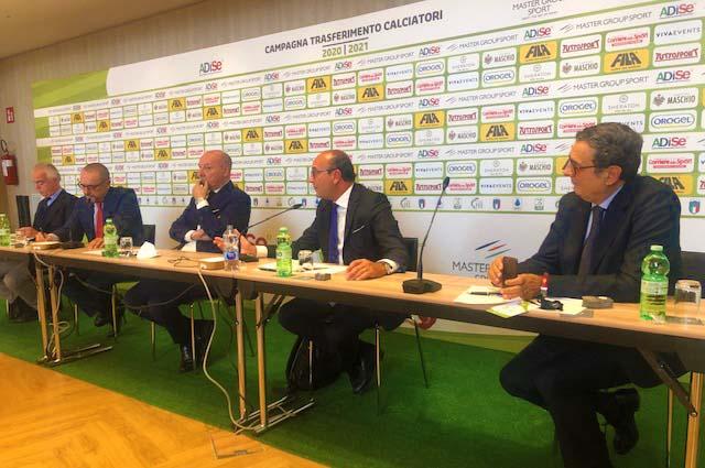 CALCIATORI PROVENIENTI DALL'ESTERO, PROBLEMATICHE ECONOMICHE E FINANZIARIE Il Convegno Di Adise Durante La Sessione Estiva Del Calciomercato